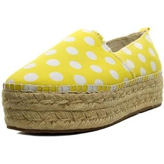 Betsey Johnson Flouncee Women Yellow/Wht Flats