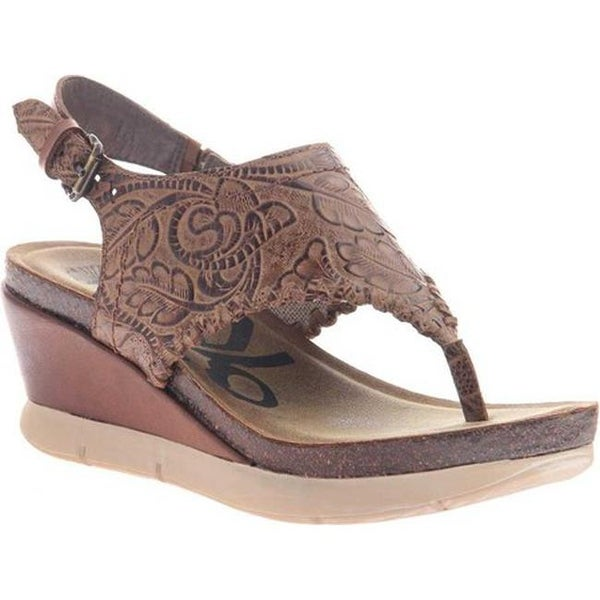 6b46d8c5c Shop OTBT Women s Meditate Thong Sandal Hickory Brown Leather - Free  Shipping Today - Overstock - 20747099