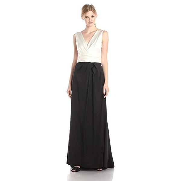 Vera Wang Women's Deep-V Gown
