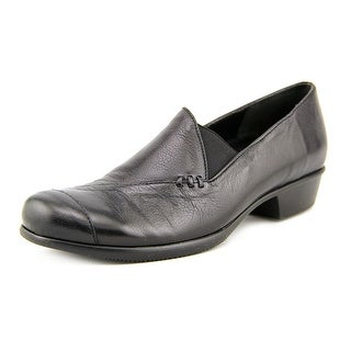 Munro American Cheryl Women SS Round Toe Leather Black Loafer
