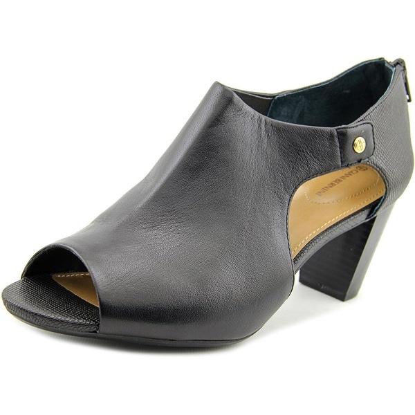 Giani Bernini Menaa Women Open Toe Leather Sandals