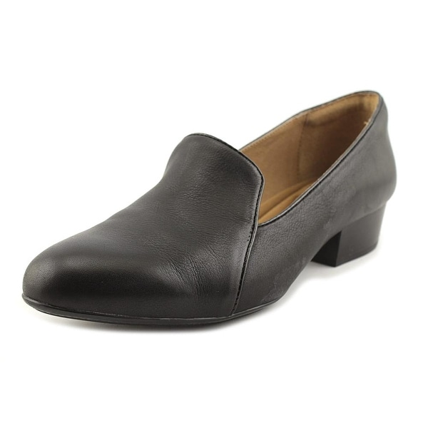 Sofft Begonia Women Round Toe Leather Black Loafer