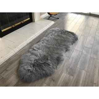 Dynasty Natural 1-1/2 Pelt Luxury Long Wool Sheepskin Grey Shag Rug - 2' x 4'