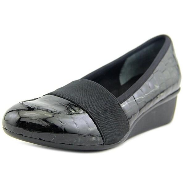 Ros Hommerson Erica Women Black Croc Loafers