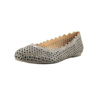 Me Too Womens Carlee Flats Cut-Out Scallop (More options available)