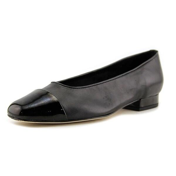Vaneli FC-313 Women N/S Round Toe Leather Black Heels