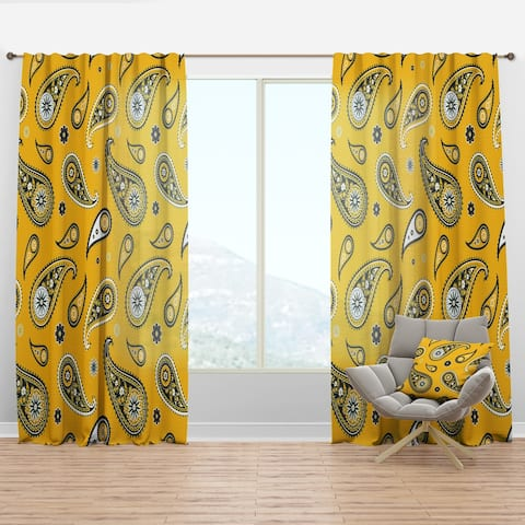 Designart 'Pattern Asian Elements Paisley' Traditional Curtain Panel