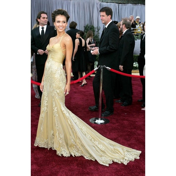 Shop Jessica Alba At Arrivals For Oscars 78Th Annual Academy Awards The Kodak Theater Los Angeles Ca March 05 2006 Photo By Emilio Fl