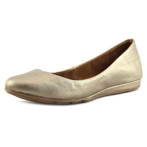 American Rag Womens Aellie1 Closed Toe Ballet Flats