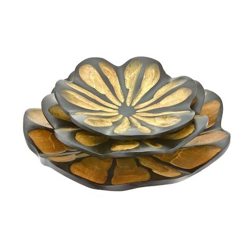Handmade Stylish Set of 3 Mango Wood Carved Lotus Blossom Wooden Platters (Thailand)