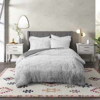 Link to CosmoLiving Cleo Ombre Shaggy Fur Comforter Set Similar Items in Comforter Sets