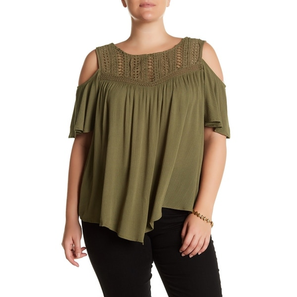 9332a63b655fa8 Shop Democracy Green Womens 2X Plus Crochet Yoke Cold-Shoulder Knit ...