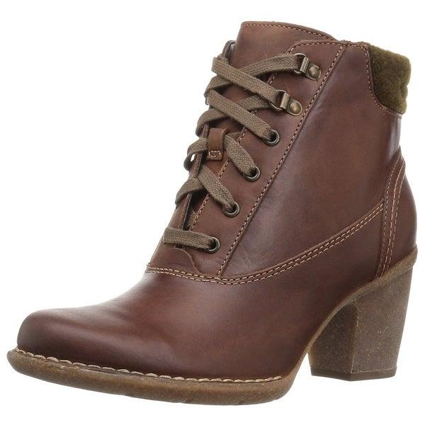 Clarks Women's Carleta Crane Ankle Bootie - 8.5