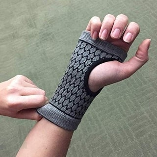 Self-Warming Carpal Support for Natural Relief - grey