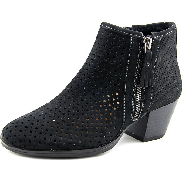 Earth Pineberry Women Round Toe Leather Black Bootie
