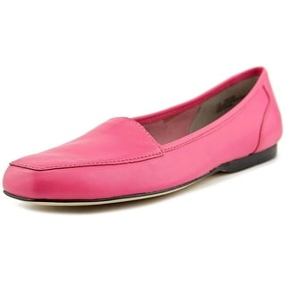 Array Freedom W Round Toe Leather Loafer