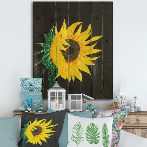 Designart 'Sunflower On Black' Traditional Print on Natural Pine Wood
