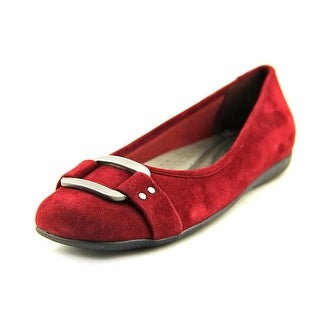 Trotters Sizzle Signature SS Round Toe Suede Flats