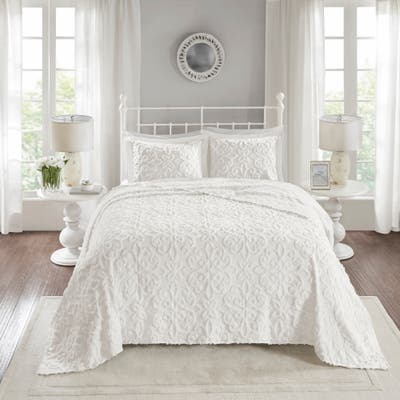 Madison Park Sarah Tufted Cotton Chenille Bedspread Set