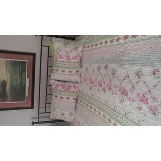 The Gray Barn Fri Tex Patchwork 3-piece Quilt Set