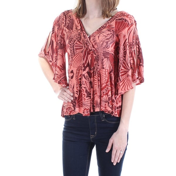 d0e2e4eed308e Shop FREE PEOPLE Womens Coral Ruffled Floral Kimono Sleeve V Neck Top Size   M - On Sale - Free Shipping On Orders Over  45 - Overstock - 21308180