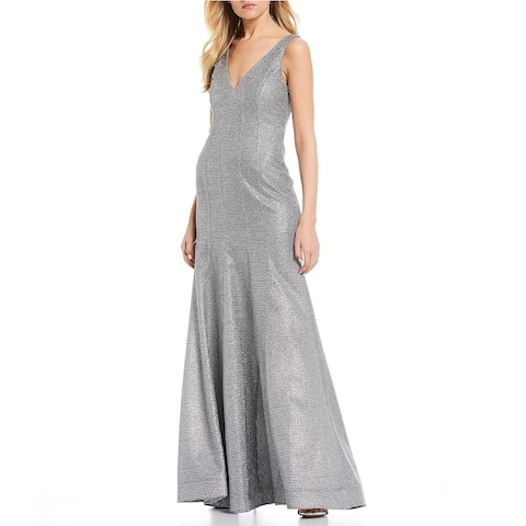 Sequin Hearts Women's Glitter V-Neck Trumpet Gown Silver Size 0
