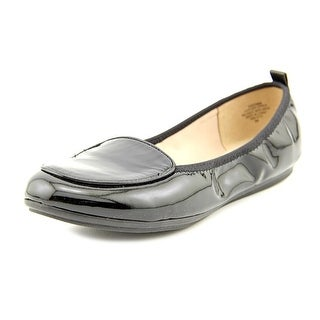 Easy Spirit e360 Gitana W Round Toe Patent Leather Flats