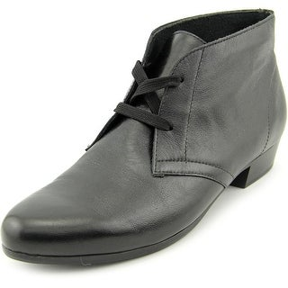 Munro American Sloane SS Round Toe Leather Ankle Boot