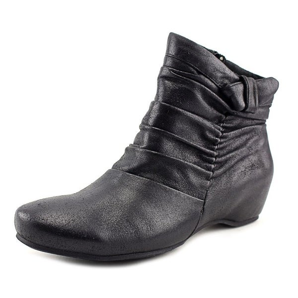 Baretraps Sakari Women Round Toe Canvas Black Bootie