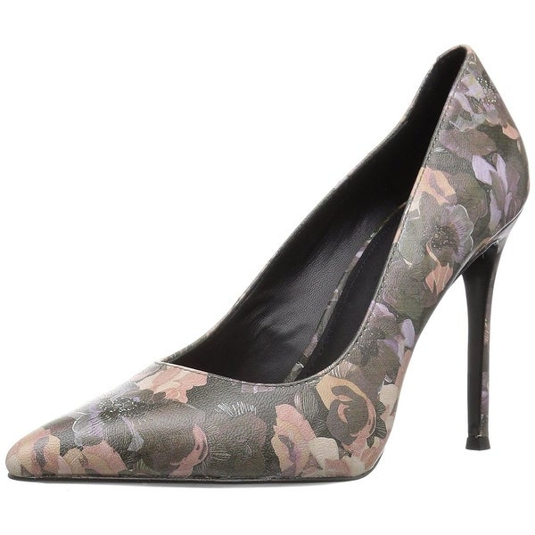 Pour La Victoire Womens Celeste Closed Toe Classic Pumps