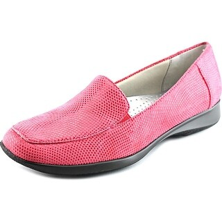 Trotters Jenn W Square Toe Suede Loafer