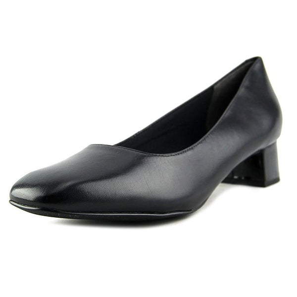 Trotters Lola Women Square Toe Leather Black Heels