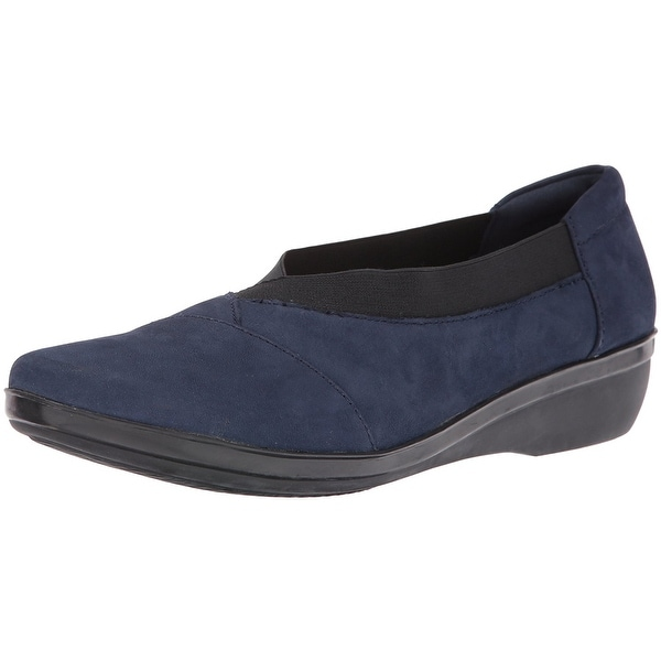 CLARKS Womens Everlay Fabric Closed Toe Loafers