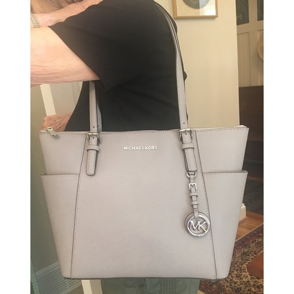 5e612d297911 Shop MICHAEL Michael Kors Jet Set East West Top Zip Large Tote Pearl Grey -  On Sale - Free Shipping Today - Overstock - 22879480