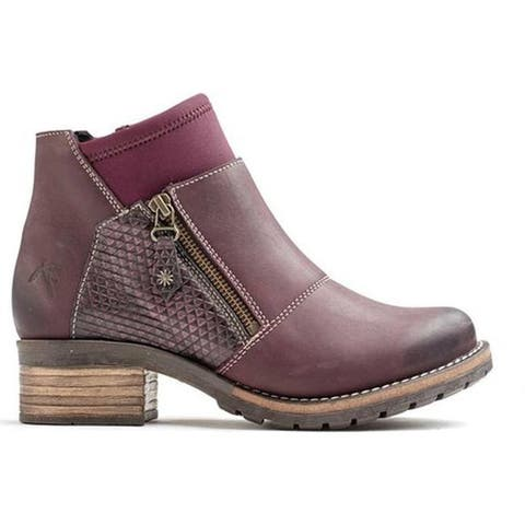 Dromedaris Women's Kihana Ankle Bootie Violet Leather