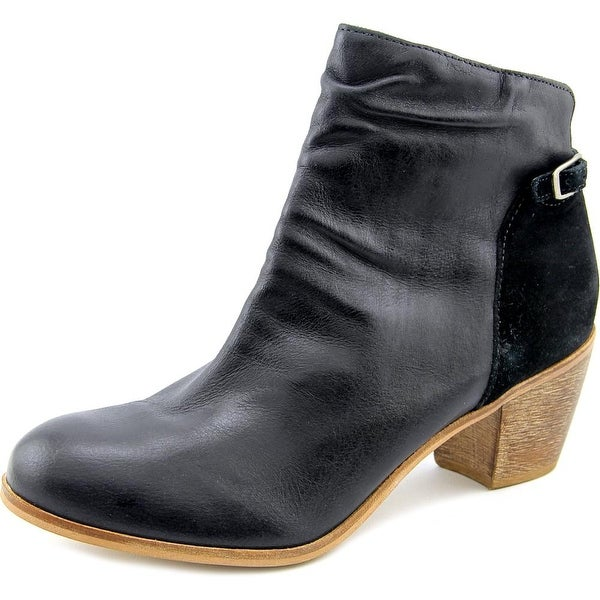 Matisse Lora Round Toe Leather Ankle Boot