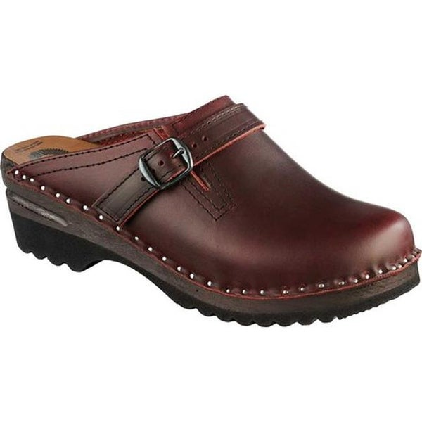 8d60cefebb2898 Shop Troentorp Bastad Clogs Women s Donatello Black Cherry - Free Shipping  Today - Overstock - 7939142