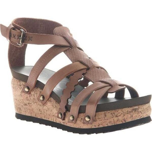 ecd9b63cb01785 Shop OTBT Women s Storm Strappy Sandal New Brown Leather - Free Shipping  Today - Overstock - 20747127
