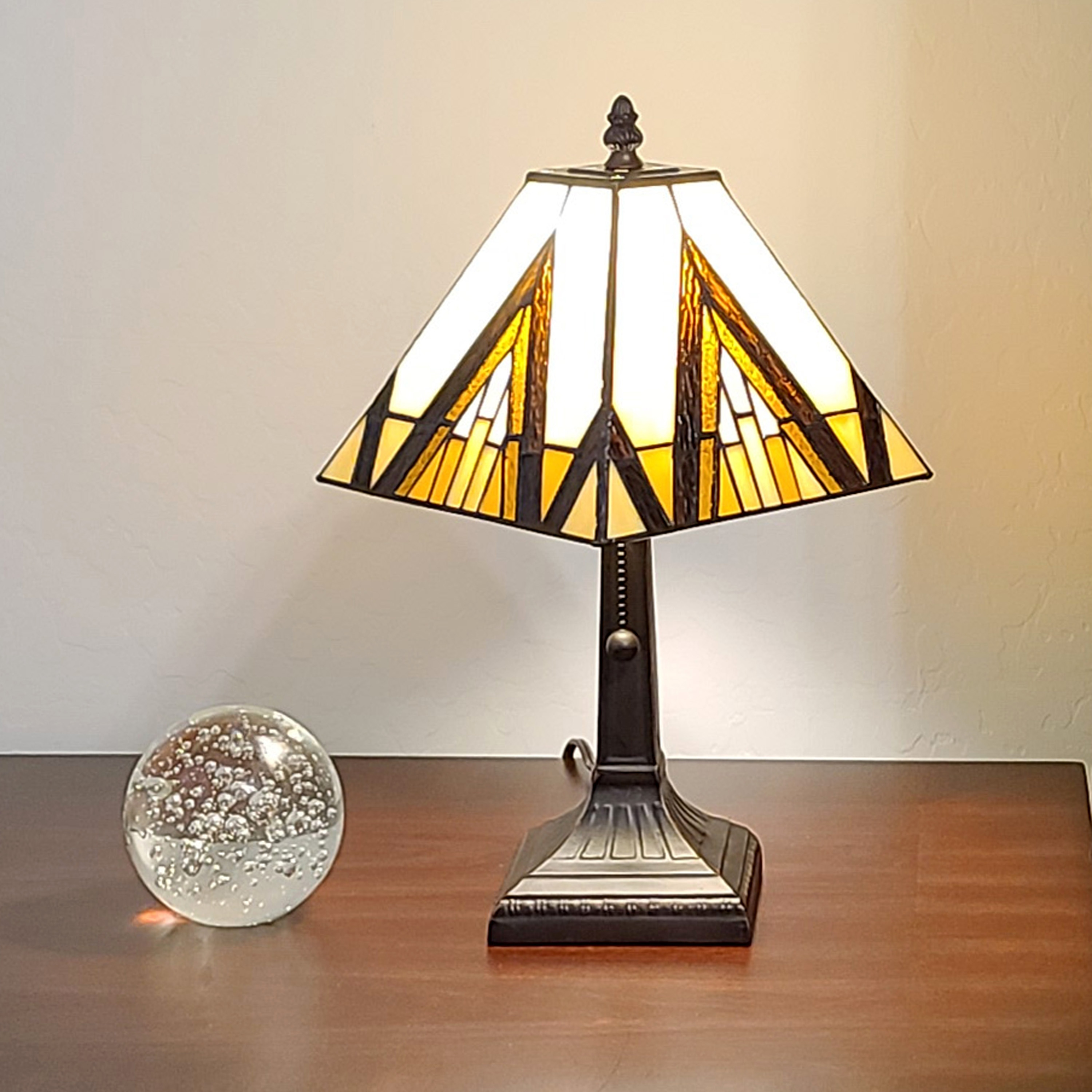 Shop Tiffany Style Table Lamp Ivory Brown 14 5 Tall Stained Glass Light Am364tl08 Amora Lighting Overstock 30634249