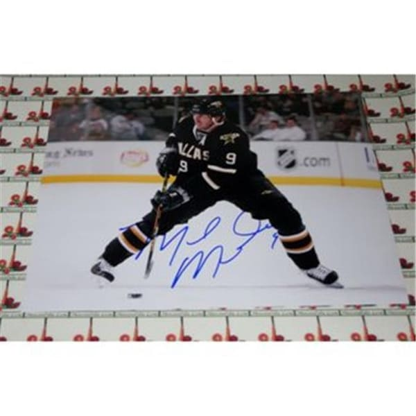 Shop Memorabilia Lane Mike Modano Autographed 8 X 10 Hockey Photo - Free  Shipping Today - Overstock.com - 23418947 0d6a7f49f3f