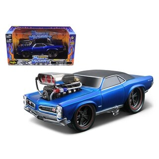 1966 1967 Pontiac GTO Blue Muscle Machines 1/24 Diecast Model Car by Maisto
