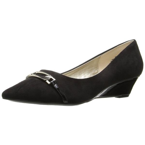 Bandolino Women's Yorina Wedge Pump, Black, Size 7.0