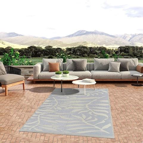 Lightweight Indoor Outdoor Reversible Plastic Area Rug - Leaf Pattern - Grey/White