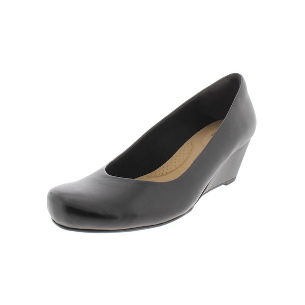 60f84c69 Shop Clarks Womens Flores Tulip Wedge Heels Leather Pumps - Free ...