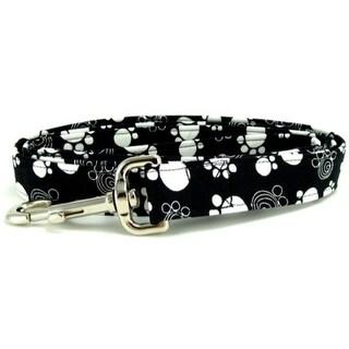 Black and White Swirled Paws Dog Leash