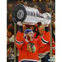 Patrick Kane Chicago Blackhawks 2015 Stanley Cup Trophy 16x20 Photo