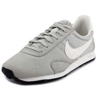 Nike Pre Montreal Rcr Vntg Round Toe Suede Sneakers