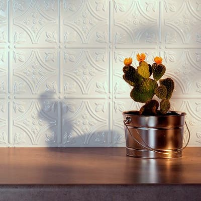 Fasade Traditional Style #1 Gloss White 15-square Foot Backsplash 15 Sq Ft Kit