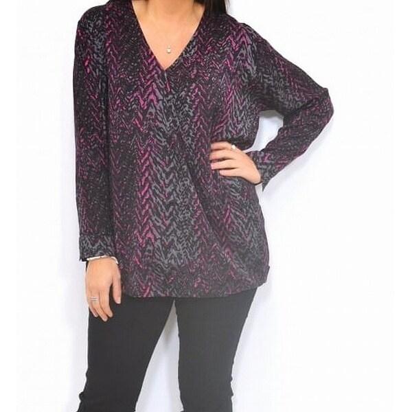 daa35298590 Shop Masai Black Women's Size Small S Zig Zag Print V-Neck Tunic Top ...