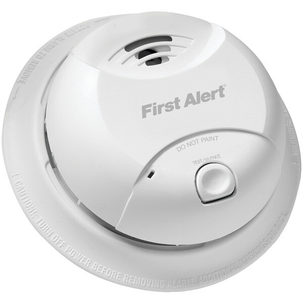 First Alert 0827B 10-Year Sealed-Battery Ionization Smoke Alarm